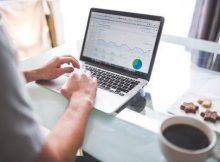 mengintip-dolar-pada-bisnis-online-220x162 Mengintip dolar dalam bisnis online di Indonesia bisnis online
